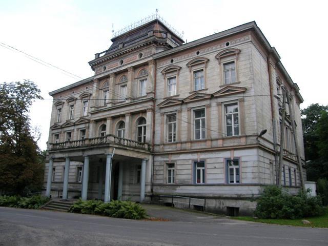 Szkoła Podstawowa w Rudzińcu przy ulicy Zamkowej 3.